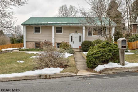 1624 Oxford Circle - State College