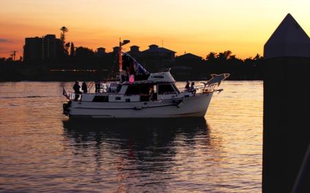 Nauti-or-Nice? SWFL Holiday Boat Parades!