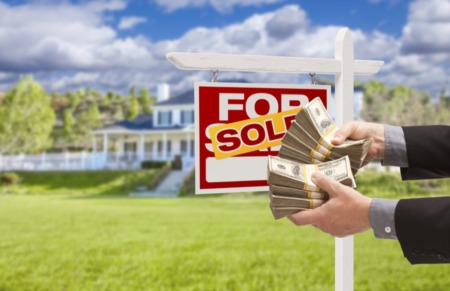 4 Benefits of Offering Cash When Buying a Home