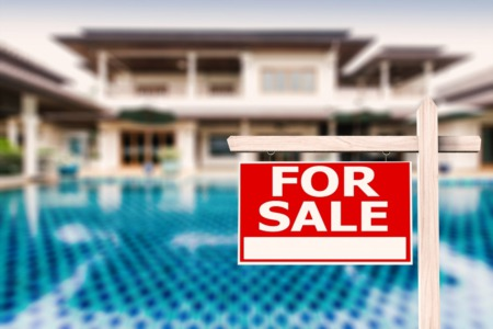 What to Do When Your Neighbors List Their Home for Sale