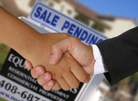 Buying and Selling at the Same Time? Here's What to Know