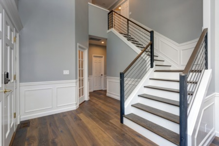 4 Ways to Enhance the Entryway Inside of Your Lakewood Home