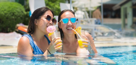 Discover the Best Swimming Pools in Las Vegas, NV at These 4 Hotels