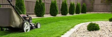 4 Ways to Improve Your Lawn Before Selling Your Home