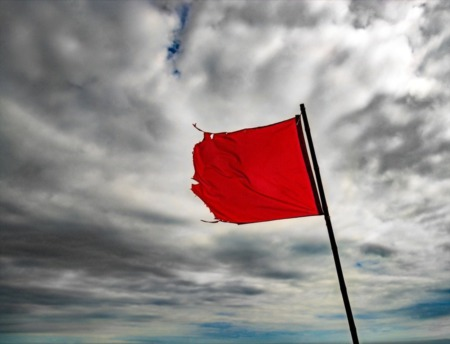 4 Red Flags to Watch Out For When Buying a Home