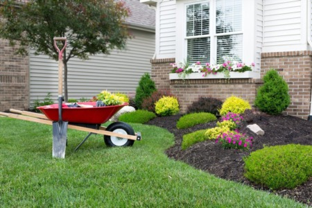 Landscaping a Home to Sell: Low Maintenance Tips for Busy People