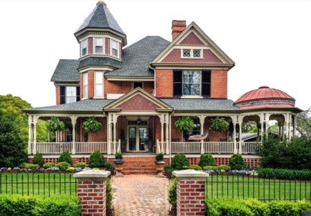 Special Considerations for Buying a Historic Home