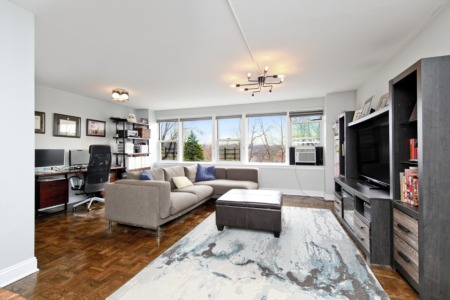 Luxury 2 Bedroom in Central Riverdale