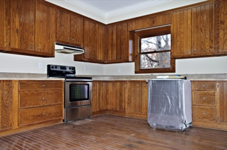 Should You Refurbish or Replace Your Cabinets?