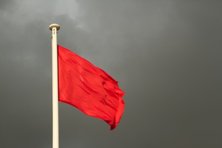 4 Red Flags You Need To Know Before Buying a Home