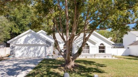 5898 Kendrew Drive in Port Orange Sold