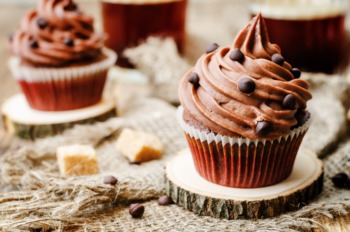 Stuff Yourself at the Annual Cupcake Eating Contest June 25