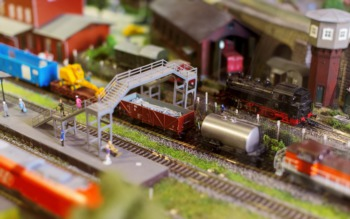 Visit the Holiday Trains Exhibit in Yew Dell Gardens This December