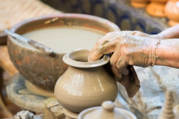 Visit Louisville Stoneware This December