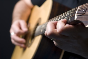 Listen to Music in the Gardens at Locust Grove May 25