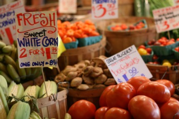 Buy Fresh Food at the South Points Farmers Market May 28
