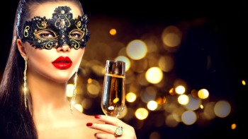 Dress Up for the Masquerade Gala at Noah's September 29