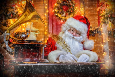 Celebrate Yuletide at Yew Dell in Crestwood December 2