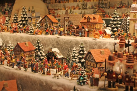 Shop at the Louisville Christmas Show December 7