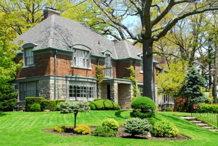 Drive Around in the Glenview Historic Neighborhood This April