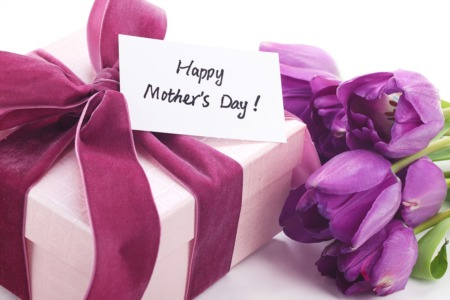Celebrate Mother's Day at the Track May 9