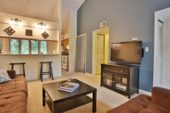Condominium for Sale at 328 Crescent Springs Drive Louisville, KY 40206
