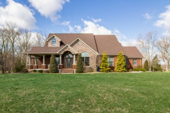 Home for Sale 17 Plantation Court Taylorsville, KY 40071