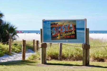 Siesta Key Points of Interest: Siesta Beach