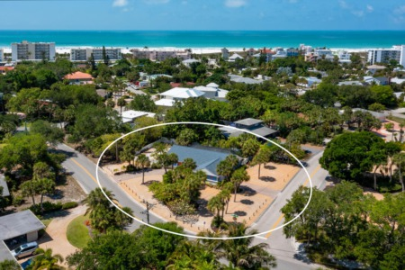 OPEN HOUSE TODAY 2-5 PM: New Listing on Siesta Key Near Beach