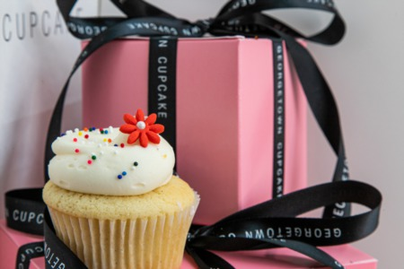 Donna Kerr Group Celebrates in Bethesda With Cupcakes, Pinwheels, and Fresh Spring Decor
