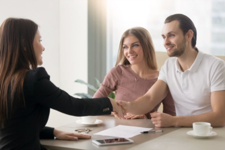 Why Sellers Should Hire a Real Estate Agent Instead of DIY Selling