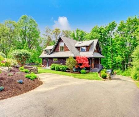 The Best Landscaping Hacks You Should Know Before Selling Your Home