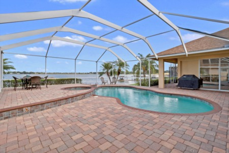 New Listing - 461 Archaic Drive in Winter Haven - Lakefront Home For Sale