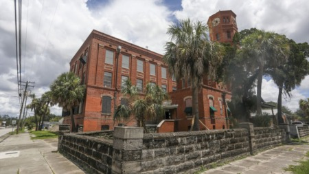 Iconic West Tampa Cigar Factory To Become A Winery And Bar