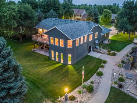 Home For Sale on the Golf Course!