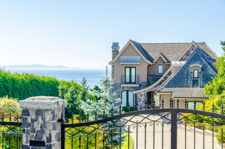 The Luxury Real Estate Market in Canada Smashes New Records