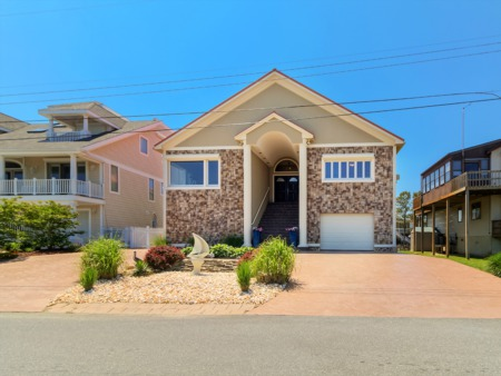 Regionally Unique Features Highlight This Canalfront Home in Ocean City