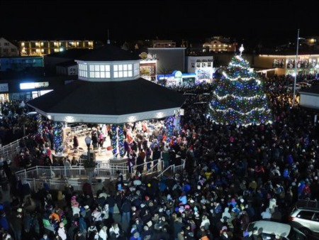 Rehoboth Tree Lighting - A Family Tradition At The Beach Since 1986