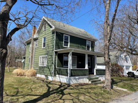 902 N 9th Street, Large 2.5 Story Home for Sale in Bellwood, PA