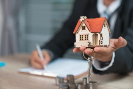 Why Should You Use a Real Estate Agent to Sell Your Home?