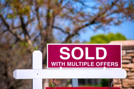Buyer in a Hot Sellers Market? 8 Tips to Make your Offer Competitive