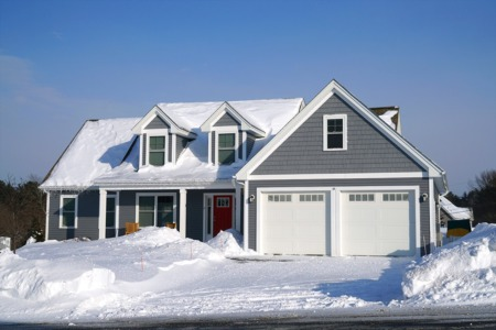 The Pros and Cons of Selling a House During the Winter