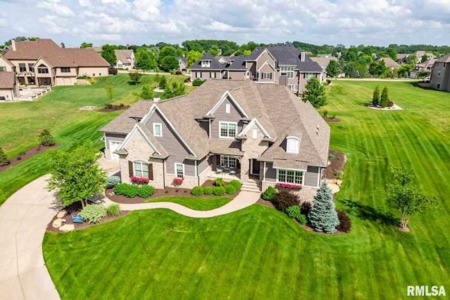 Looking for Luxury Homes for Sale in the Quad Cities? You've Come to the Right Place