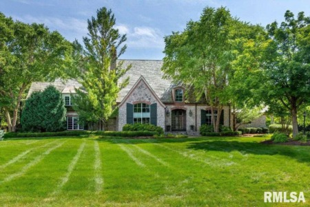 Sensational Single-Family Homes for Sale in Moline, Illinois