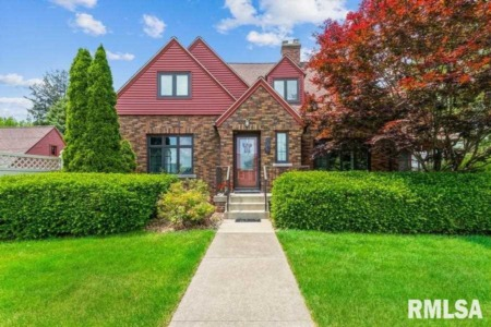 Single-Family Homes for Sale in the Quad Cities