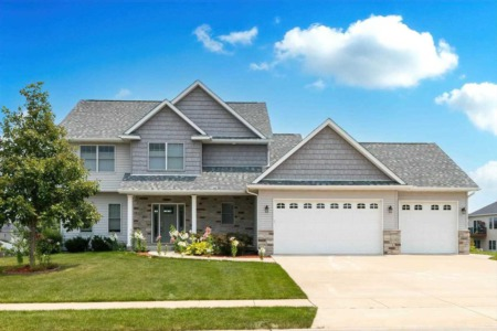 Rich Bassford Has Beautiful Bettendorf Homes for Sale