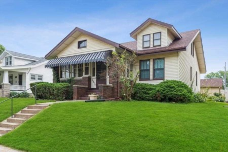 Marvelous Homes for Sale in Moline, Illinois
