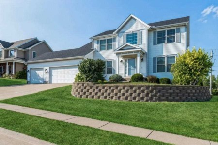 New Quad City Homes For Sale This Labor Day Weekend