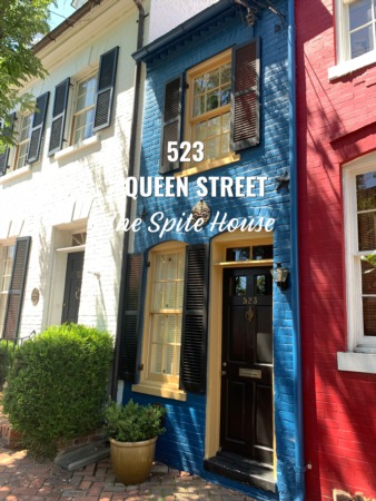 'The Narrowest House in America' is in Old Town Alexandria!