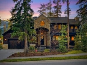 Canmore's Luxury Real Estate Market: Is Now the Right Time to Invest?